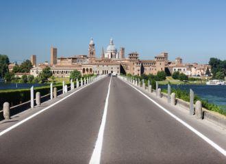 Biludlejning Mantova