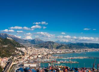 Alquiler de coches Salerno
